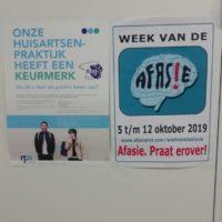 Kees Ruizendaal verspreidt posters in Woerden, Kamerik, Zegveld en Harmelen
