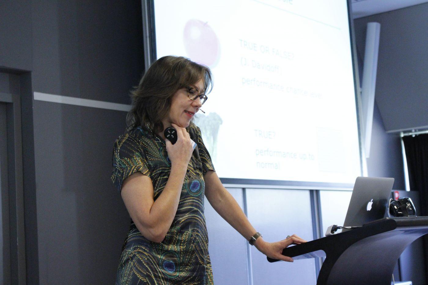 Dr. Martine van Zandvoort