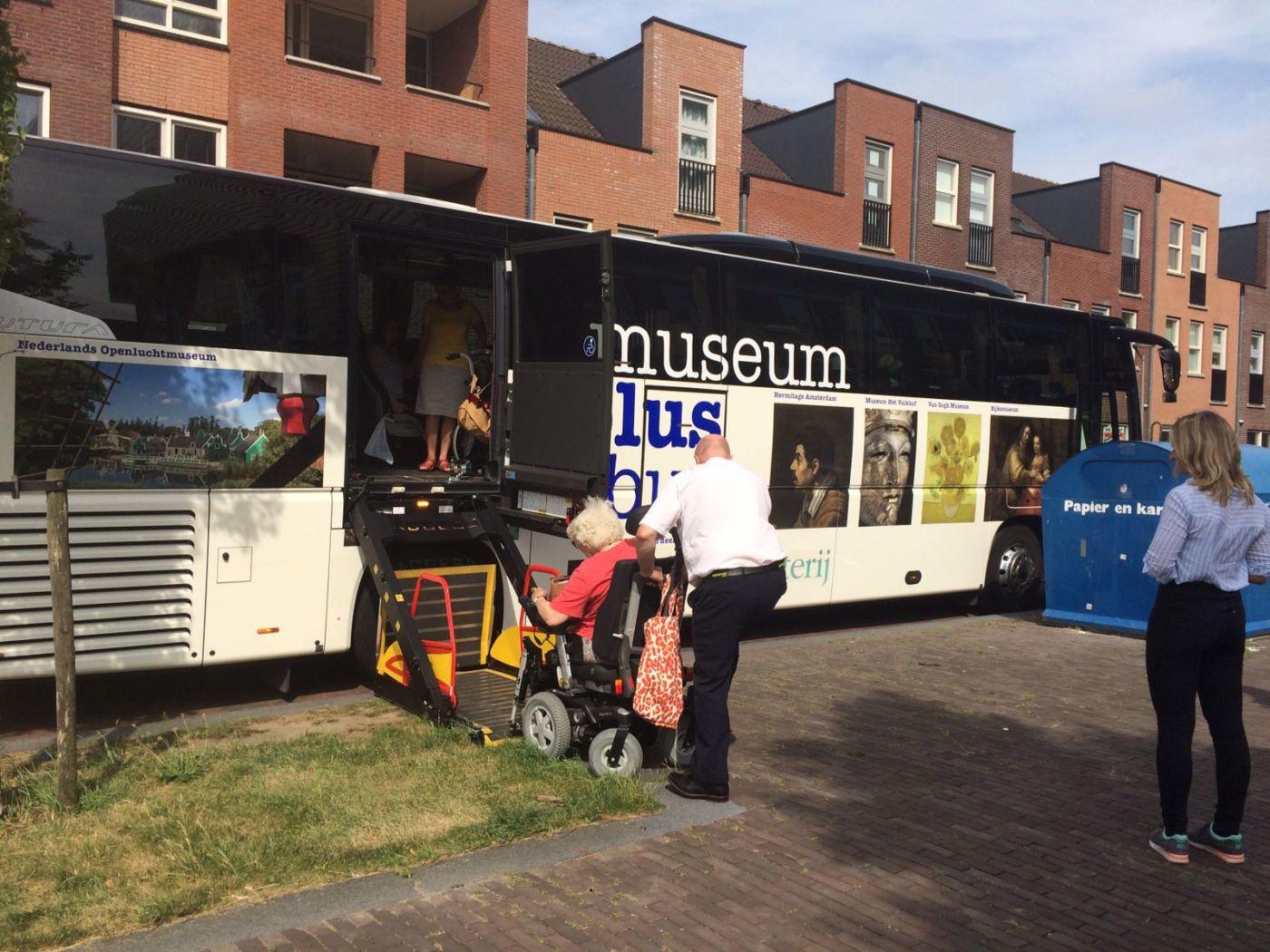 Met de museumplusbus op pad