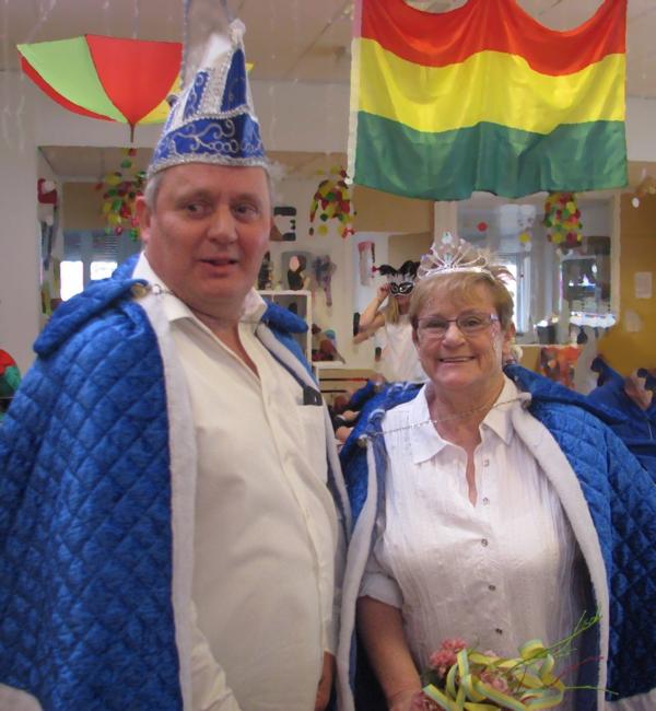 Het prinsenpaar van het activiteitencentrum, de prinses neemt ook deel aan het afasiecentrum